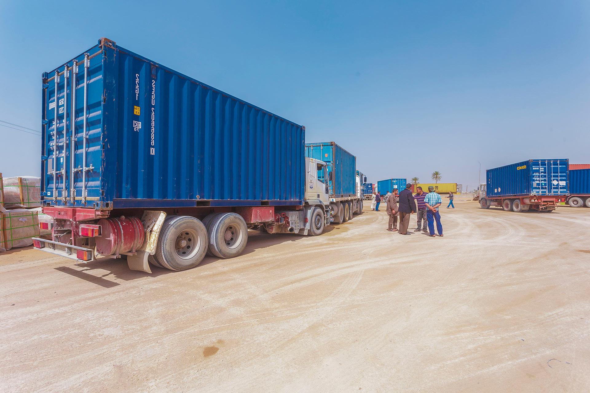 خدمات الشحن والنقل البحري
